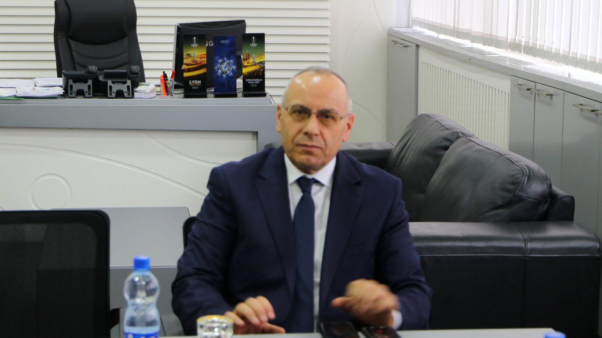 Personalitete të shquara të sportit ukrainas i shkruajnë presidentit Ademi