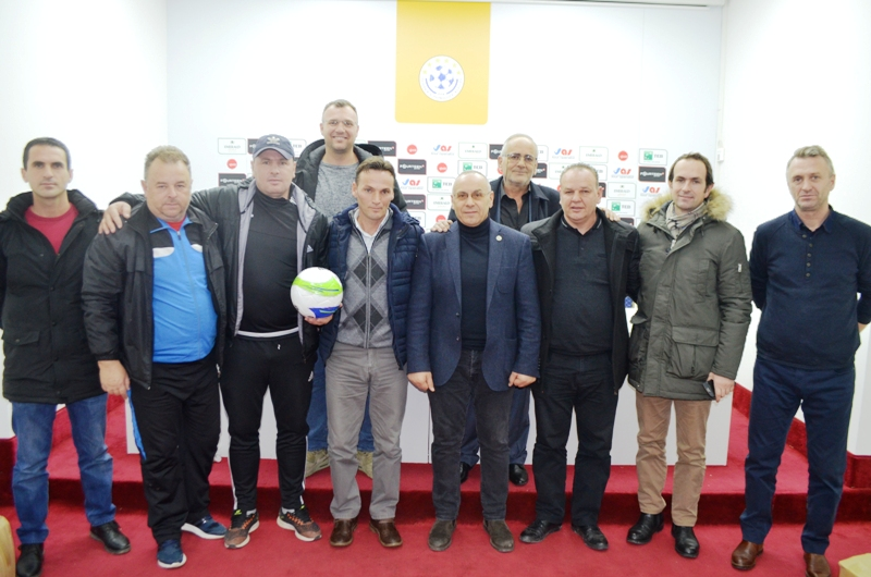U dhuruan topa dhe fanella edhe për klubet e Ligës së Dytë nga Rajoni i Prishtinës