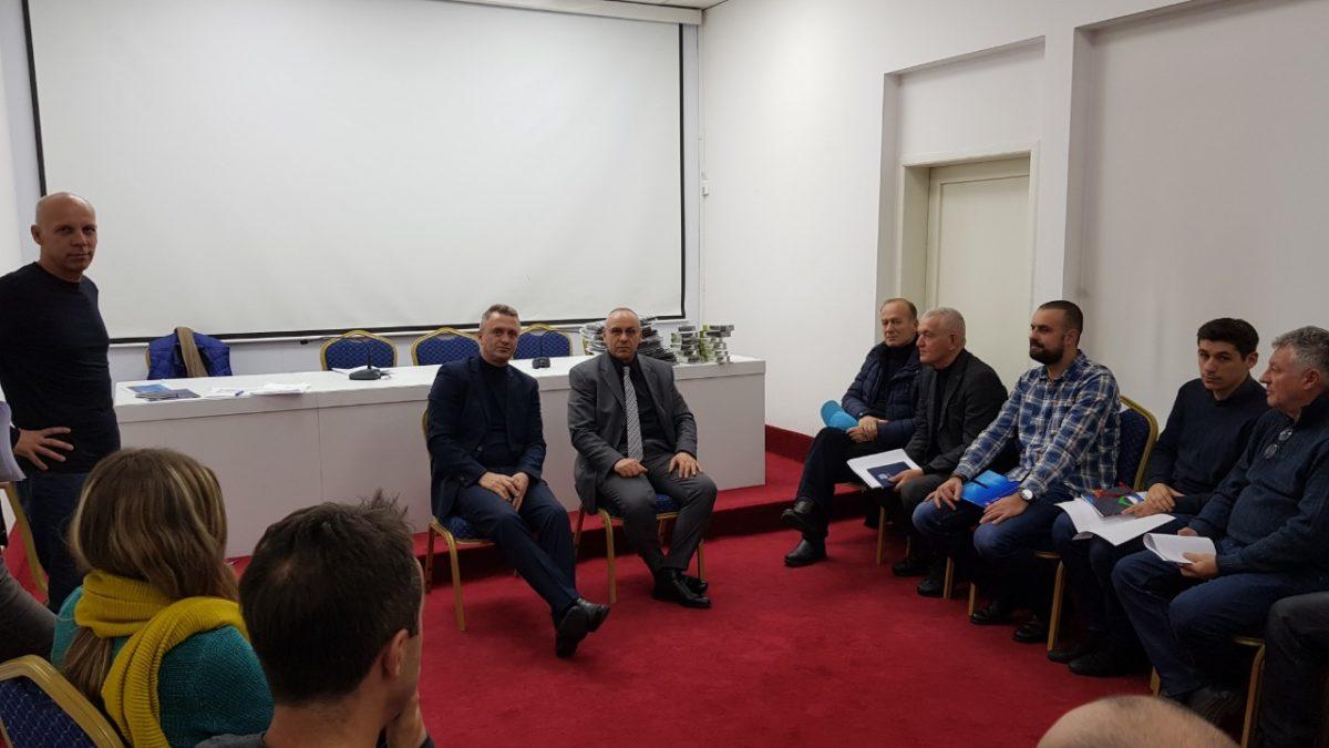 Presidenti Ademi takoi përzgjedhësit e ekipeve kombëtare