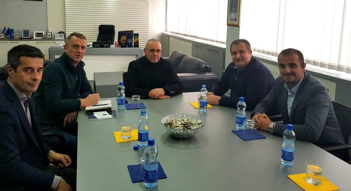 """Presidenti Ademi priti kryetarin e Komunës së Prishtinës, Shpend Ahmetin – u arrit marrëveshja për menaxhimin e stadiumit """"Fadil Vokrri"""""""
