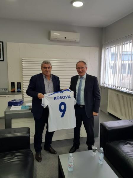 FFK pjesëmarrëse në Workshop-in e UEFA-s për Licensimin e Klubeve