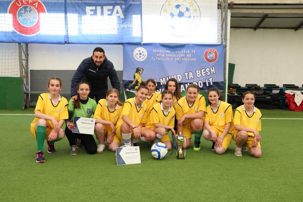 """Me turneun në Mitrovicë filloi projekti """"Rekrutimi i vajzave të reja shkollore në futbollin e organizuar"""""""