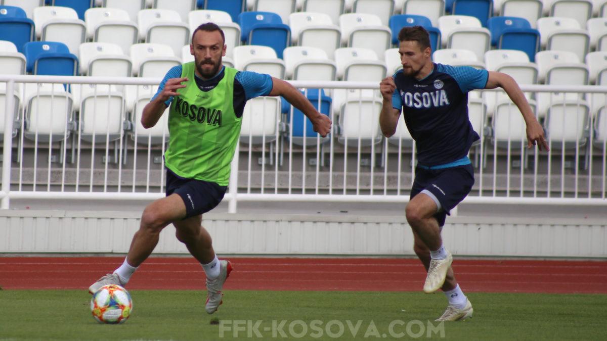 Kombëtarja zhvilloi ndeshje stërvitore, Rashkaj e Muriqi optimistë për fitore në Podgoricë