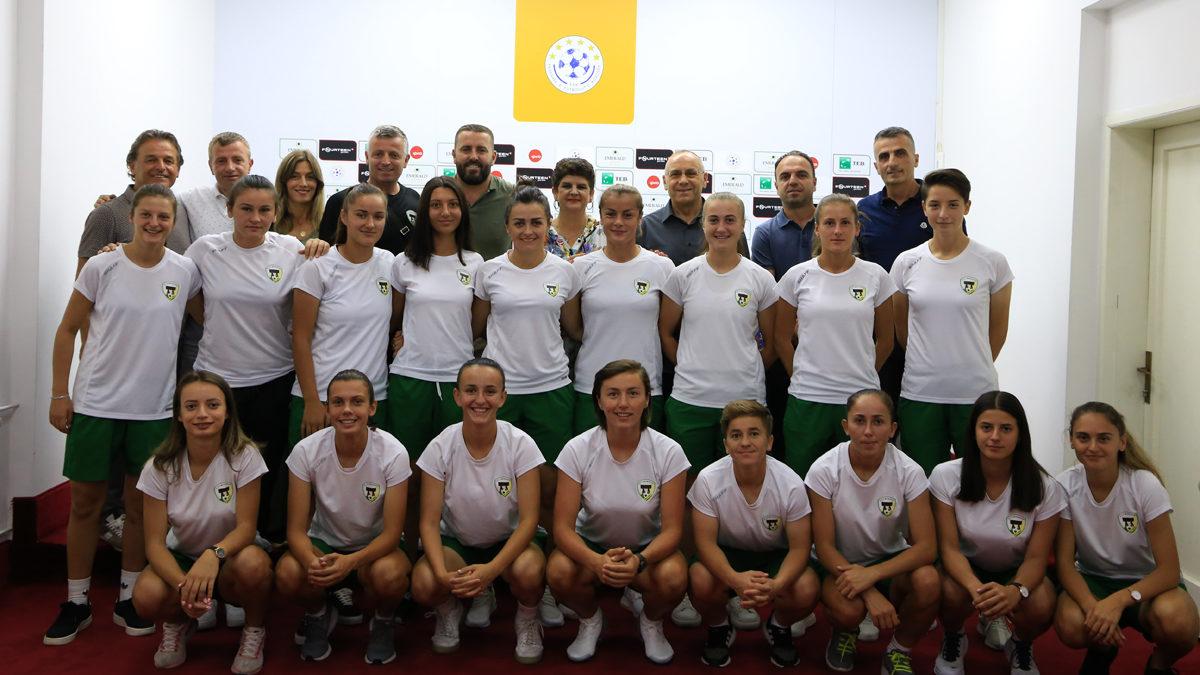 """Drejtuesit e FFK-së organizuan pritje për KFF """"Mitrovica"""""""