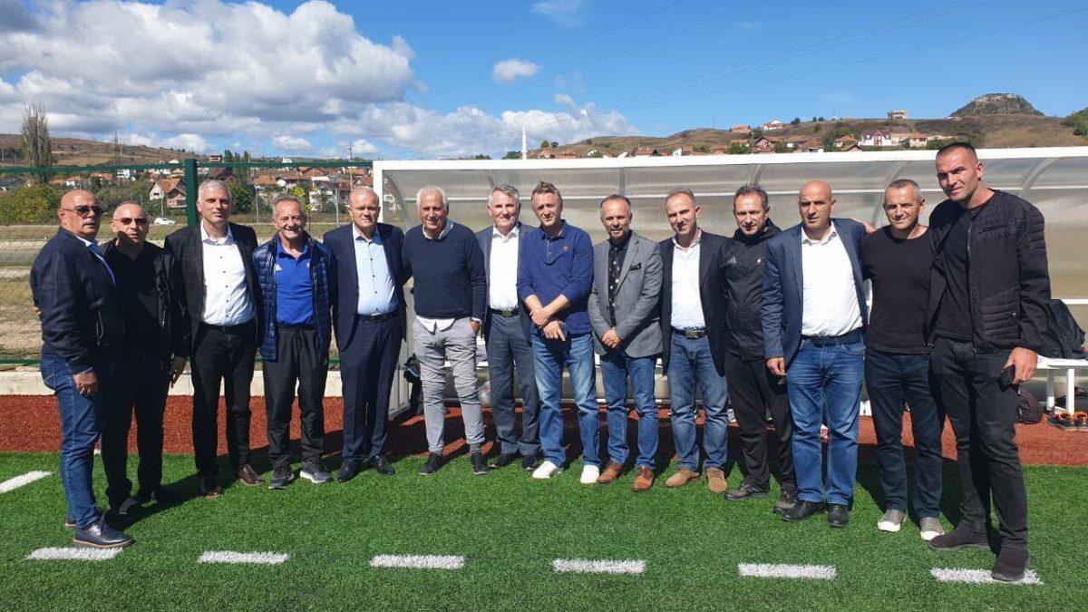 Krerët e FFK-së dhe zyrtari i UEFA-s vizituan Mitrovicën