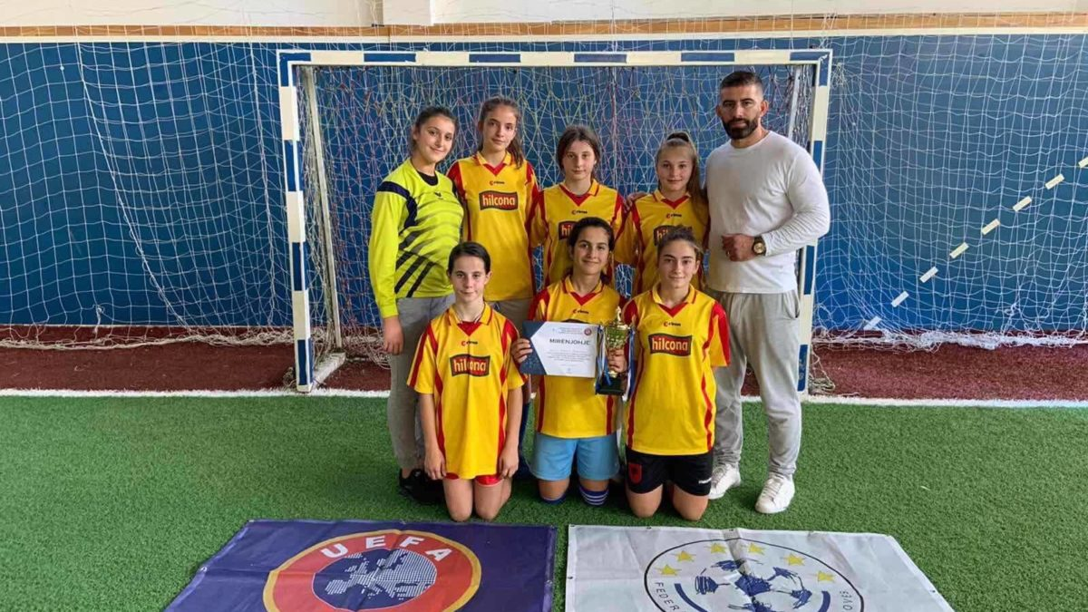 Projekti rekrutimi i vajzave/ Gjakovaret treguan entuziazëm për lojën e futbollit