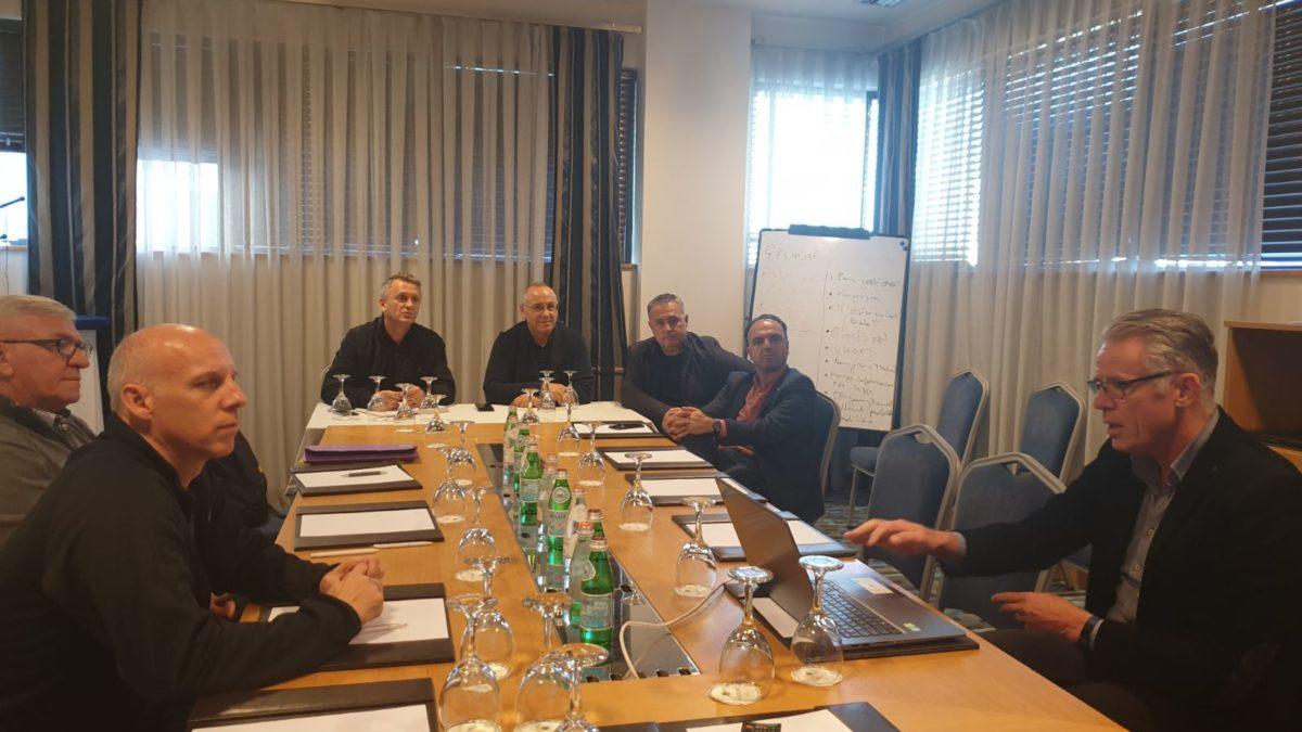 Krerët e FFK-së takuan zyrtarin e UEFA-s për Grassroots