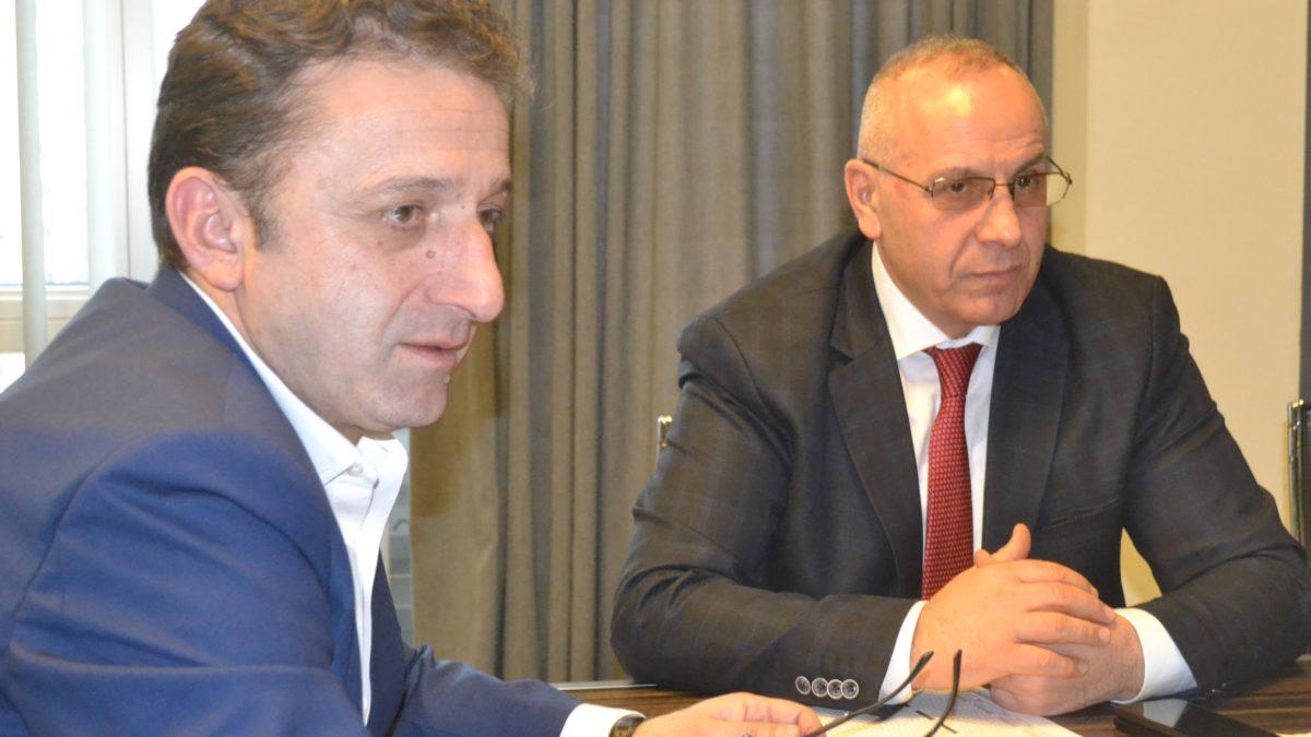 Presidenti Ademi takoi homologun e tij Muamed Sejdini