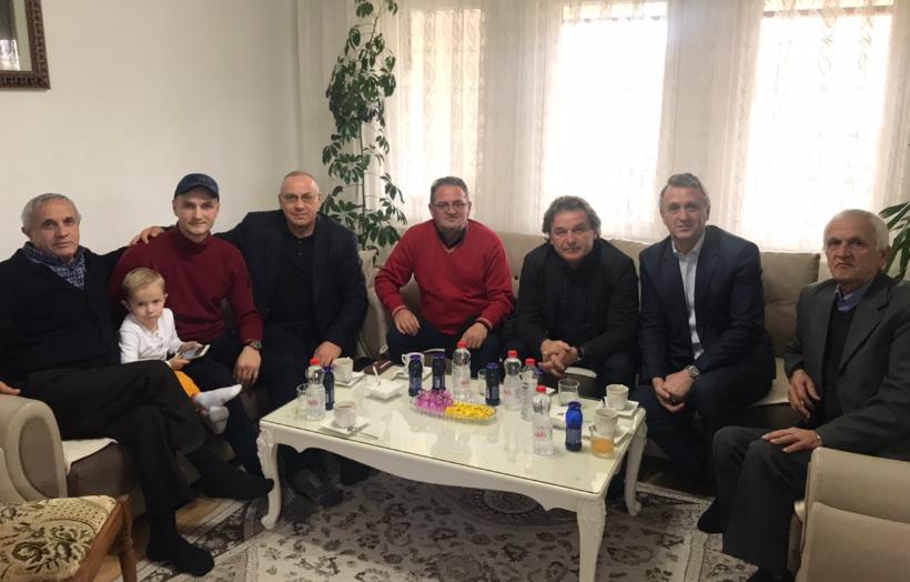 Krerët e FFK-së vizituan portierin Arben Beqiri