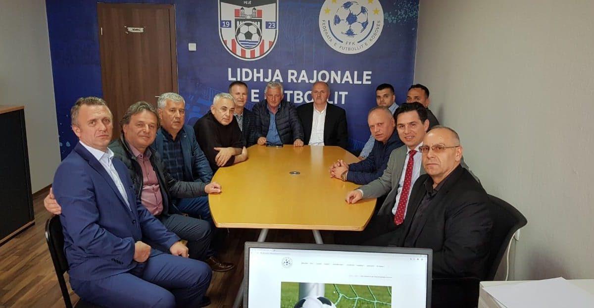 Përurohet zyra e re e Lidhjes Rajonale të Futbollit në Pejë