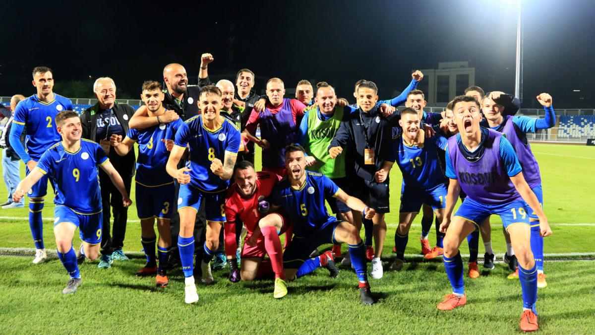 """Kosova U21 dhuron spektakël në """"Fadil Vokrri"""" kundër turqve, merr kryesimin e Grupit të 3-të"""