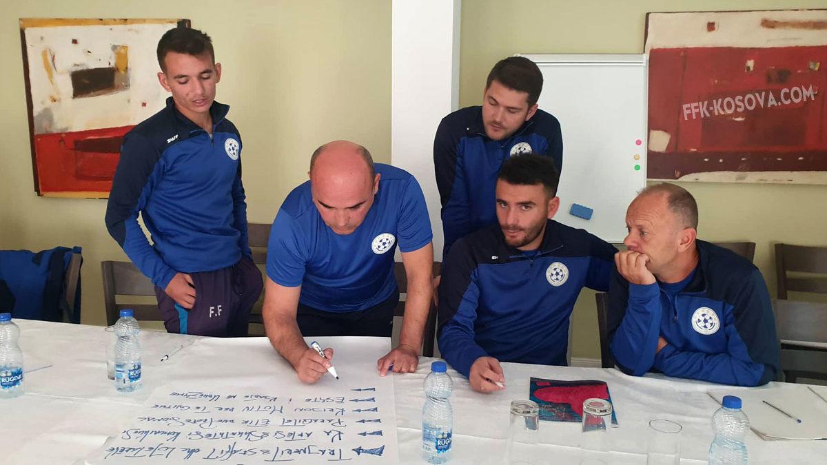 FFK organizon kursin e parë gjysmëvirtual për trajnerë për Licencën C